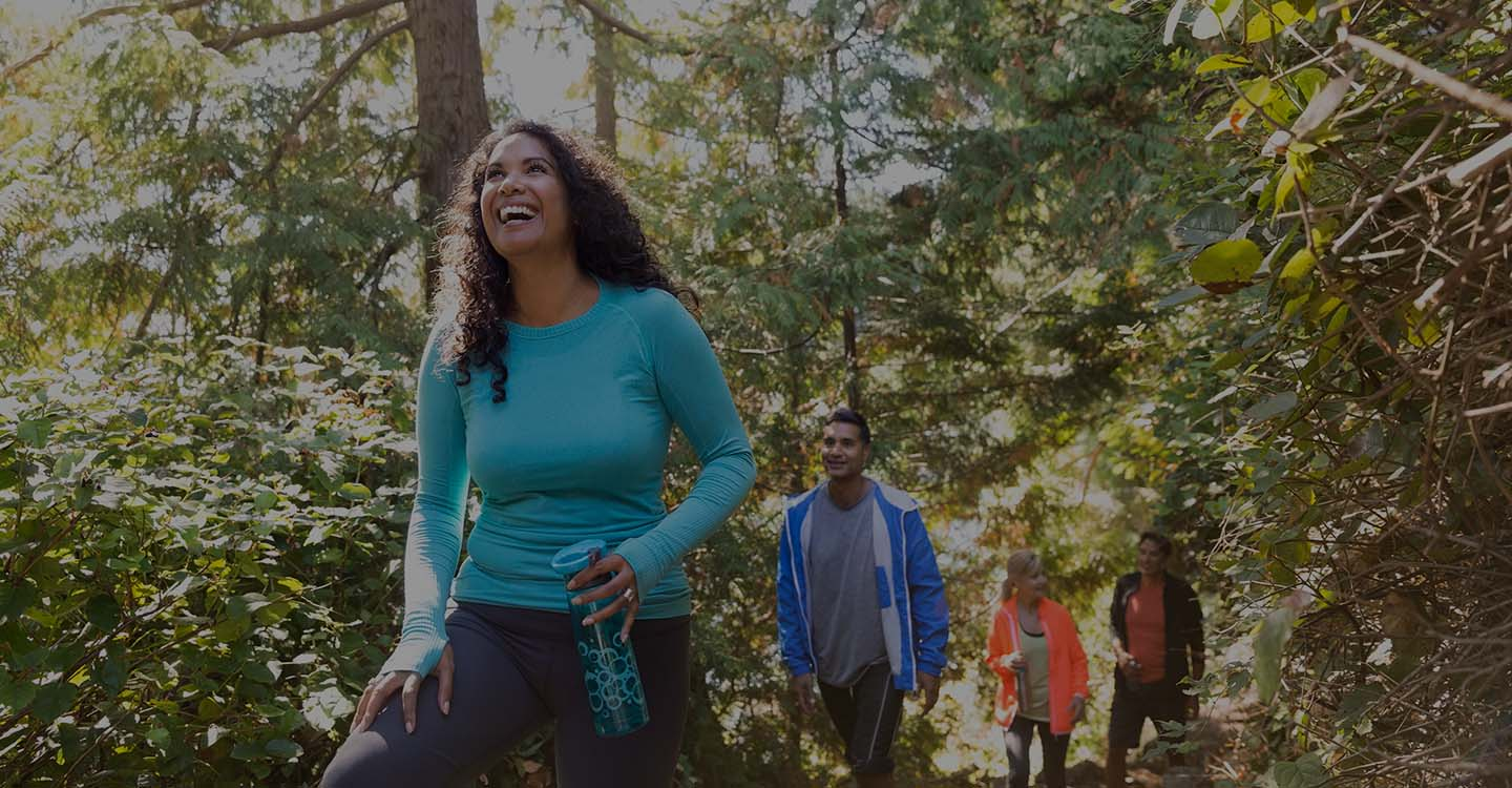 Friends hiking in Florida to promote good brain health
